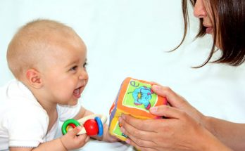 jocuri si jucarii pentru bebelusi